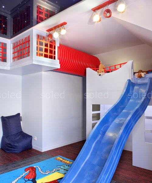 Pokój dziecięcy dla chłopca ze zjeżdżalnią