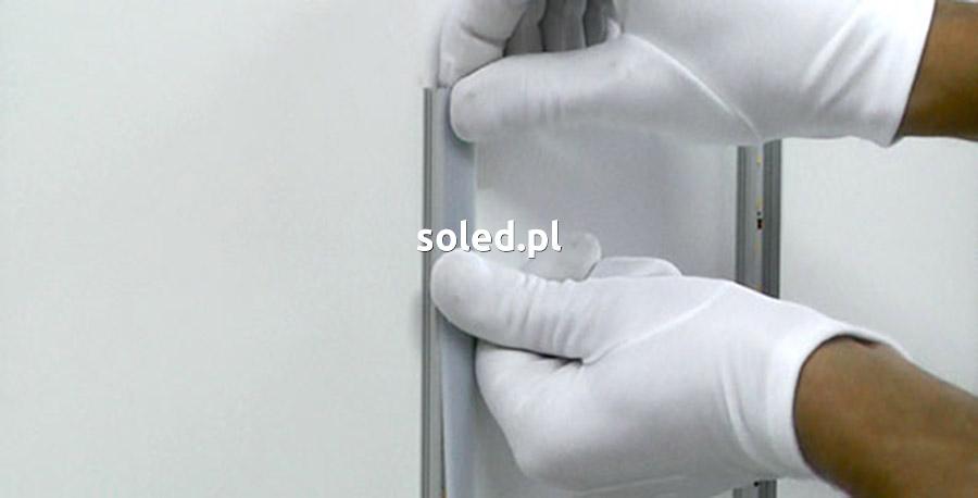 montaż osłonki w profilu LED