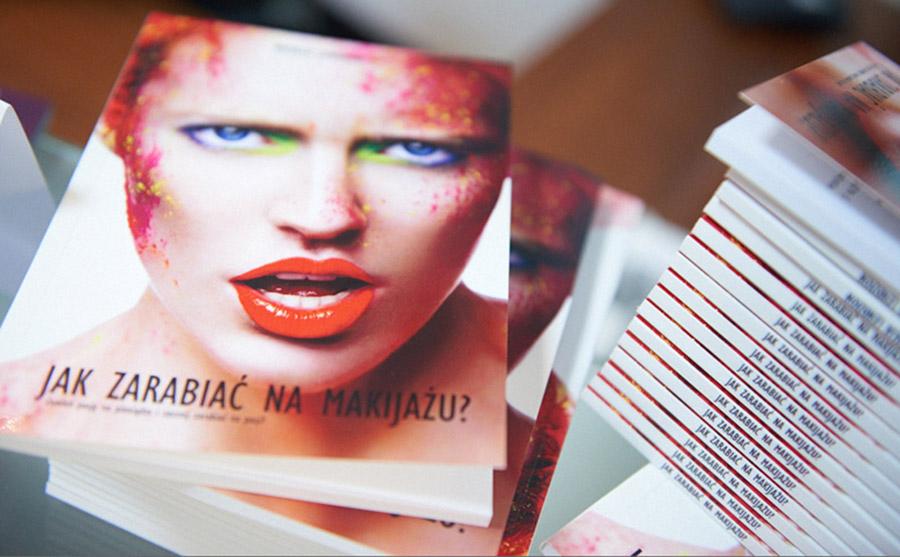 książki jak zarabiać na makijażu