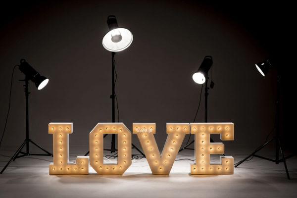 litery retro podswietlane LOVE