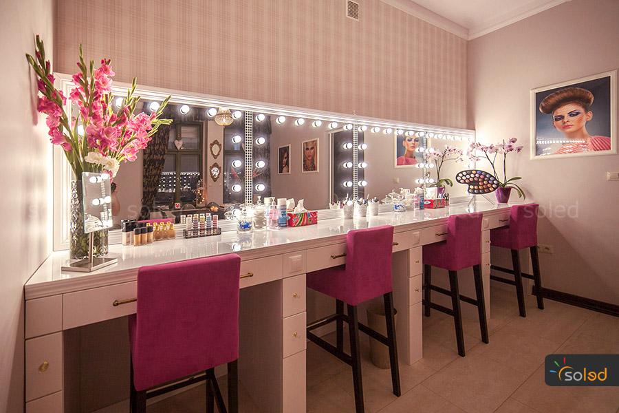 lustra do salonów wizażu w MakeUpownia Pani Tarasiewicz