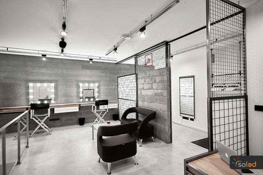 Lustra w salonie Womanhood Studio
