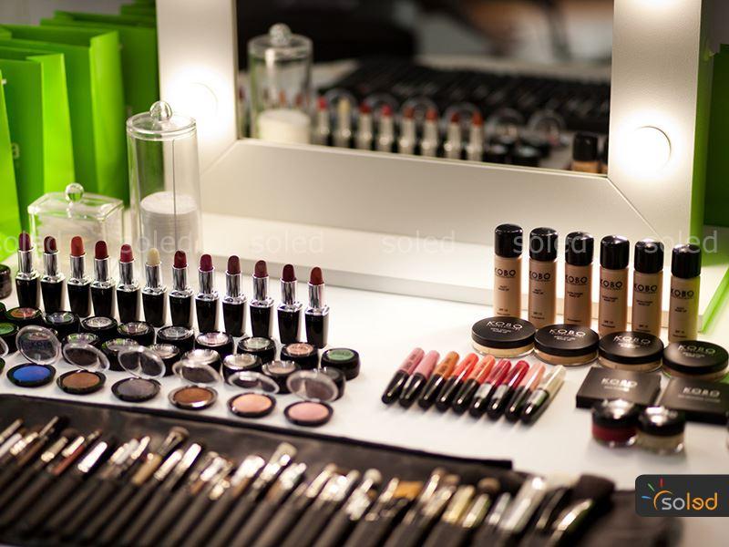 lustro make up w kolorze białym
