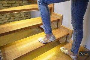 oświetlenie schodów scr