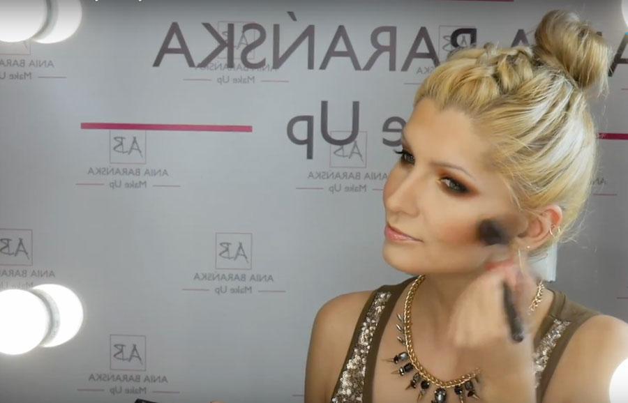 makijaż glamour ze złotym akcentem wizażystki Anny Barańskiej