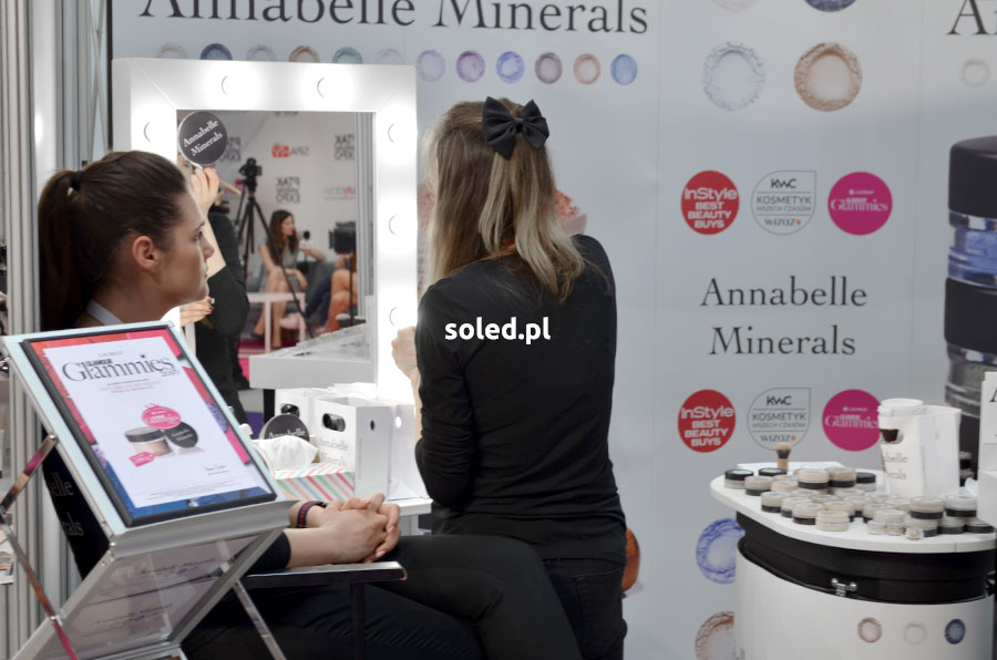 Annabelle Minerals z lustrem SOLED