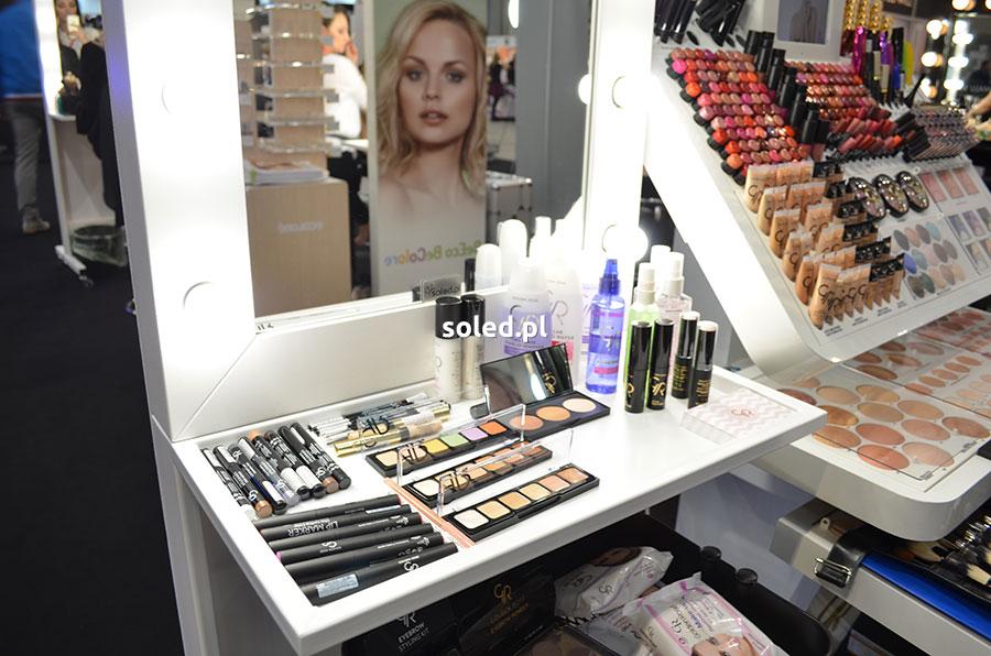 półka w stanowisku Beauty Make Up Mirror