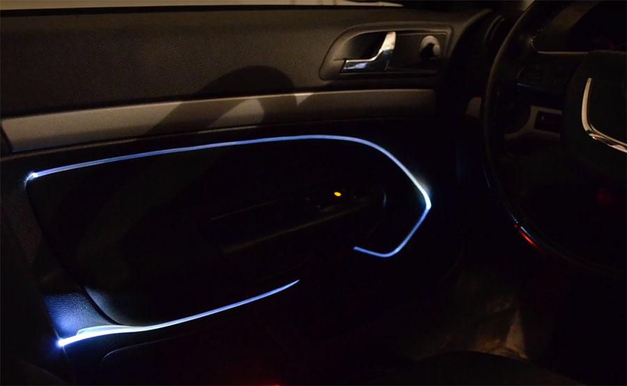 Oświetlenie Wnętrza Samochodu światłowodem świecącym Bokiem