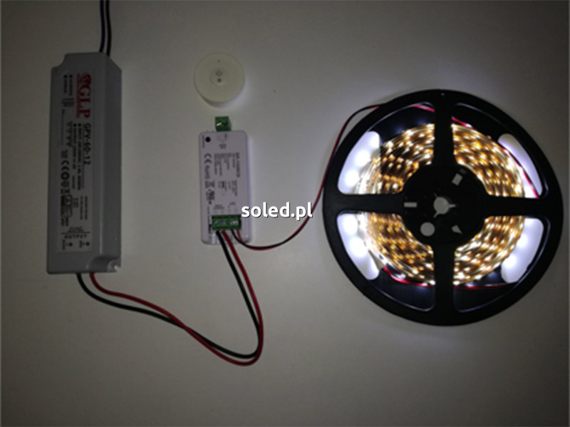 podłączony zestaw LED