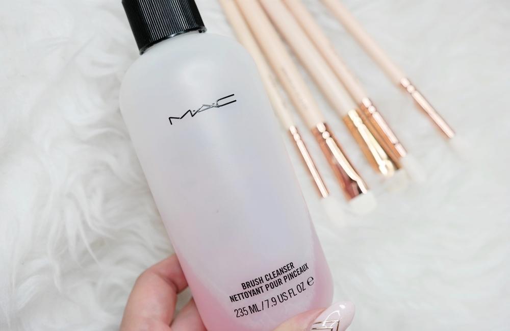 plyn do czyszczenia pedzli MAC
